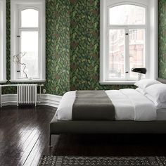 Decorate yor bedroom with Wallpaper Ek green - Sandberg Wallpaper Green Wallpaper, New Wallpaper, Bathroom Wallpaper Trends, Bedroom Wallpaper, Statement Wall, Inspirational Wallpapers, Oak Leaves, Bedroom Inspo, Scandinavian Design