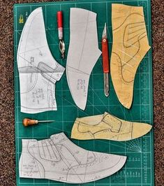 No photo description available. Make Your Own Shoes, How To Make Shoes, Shoe Template, Shoe Crafts, Modelista, Handmade Leather Shoes, Shoe Pattern, Leather Pattern, Crochet Shoes