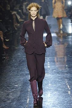 Jean Paul Gaultier Fall 2005 Couture Fashion Show - _Larissa_