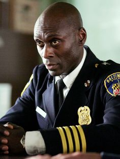 Cedric Daniels-The Wire. Played by Lance Reddick. Hbo Tv Shows, Best Tv Shows, Favorite Tv Shows, The Wire Hbo, Hollywood Shuffle, Whats On Tv Tonight, Hbo Go, Best Dramas, Black Actors