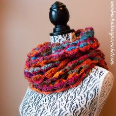 Just lovely! Would definitely get a lot of wear in the spring. Painted Sunrise Summer Wrap as a Cowl @OombawkaDesign