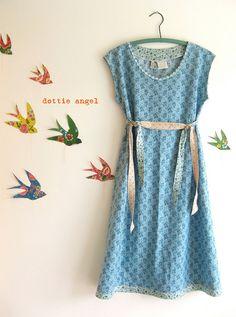 Dottie Angel: re-create birds on the wall, great idea for children's room