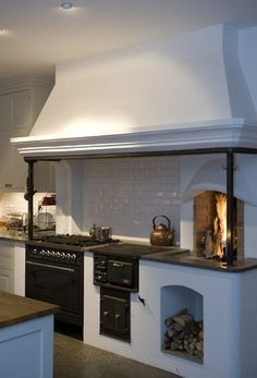 Woodcooker / vedspis in modern kitchen.