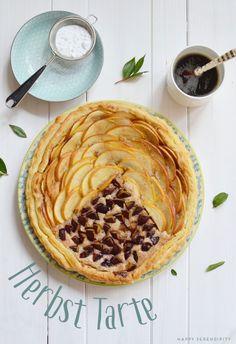 warme herbst tarte aus birnen und einer handvoll pflaumen
