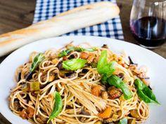Spaghettis salteados con caponata
