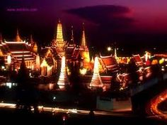 Amazing Bangkok Tour: Half Day-Private Tour (1 Person)   - Visit Royal Grand Palace & Emerald Buddha  - Wat Phra Kaew (Temple of the Emerald Buddha)  - Cross Chao Phraya River by boat to visit Wat Arun.