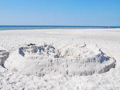 Strandburg in Dueodde - Bornholms schönster Sandstrand an der Südspitze der Insel.  #strandburg #dueodde #strand #ostsee #bornholm #insel #dänemark