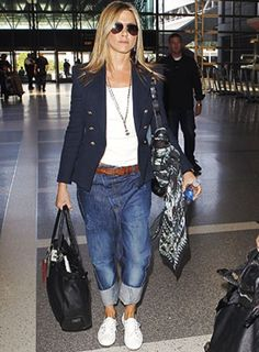 Would You Wear Jennifer Aniston's Drop-Crotch Jeans? 30 Outfits, Mode Outfits, Casual Outfits, Fashion Outfits, Womens Fashion, Girly Outfits, Denim Fashion, Look Fashion, Street Fashion
