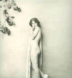 Clara Bow by Alfred Cheney Johnston, Vintage Glamour, Vintage Girls, Vintage Beauty, Lana Turner, Silent Film Stars, Movie Stars, Classic Beauty, Timeless Beauty, Classic Hollywood