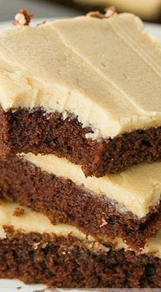 Chocolate Sheet Cake with Peanut Butter Frosting #ToffeePudding Sheet Cake Pan, Sheet Cake Recipes, Cake Recipes From Scratch, Frosting Recipes, Chocolate Sheet Cake Recipe From Scratch, Peanut Butter Sheet Cake, Peanut Butter Icing, Peanut Butter Recipes, Frosting Cupcake