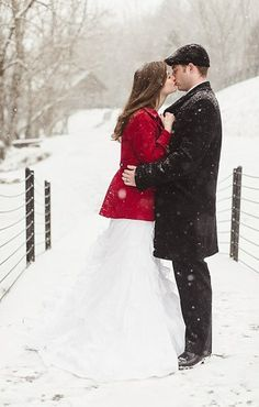 Gorgeous winter portraits in TN + the bride wore a red coat | see more at http://mountainsidebride.com/2014/01/tn-winter-styled-shoot-red-details