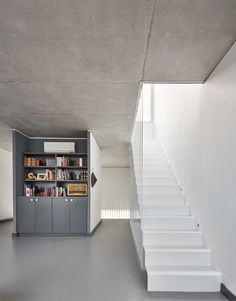 This Two-Story Home Is Every Minimalist's Dream - UltraLinx