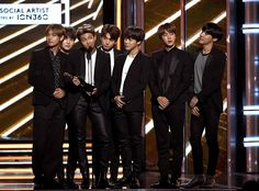 BTS, 2017 Billboard Music Awards Omg they'r so tanned