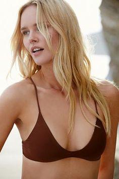 The perfect bikini for small boobs, the perfect blond beach hair