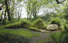 The Mud Maiden moss art at the Lost Garden of Heligan in Cornall, England Dream Garden, Garden Art, Moss Garden, Lost Gardens Of Heligan, Moss Art, Botanical Gardens, Botanical Art, Beautiful Gardens, Magical Gardens