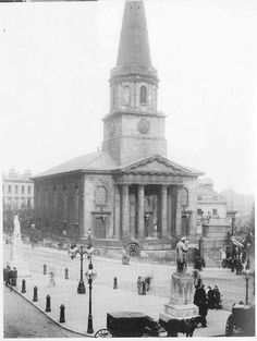 This church was demolished to make way for Victoria Square. Birmingham Shopping, Birmingham City Centre, Walsall, Birmingham England, West Midlands, Local History, Old Town, Old Photos, Paris Skyline