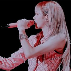 Lisa (Gif) Jennie Lisa, Blackpink Lisa, Aesthetic Movies, Aesthetic Girl, South Korean Girls, Korean Girl Groups, Foto Gif, Icon Gif, Kpop Girl Bands