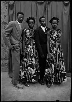 Dans les années 1950, il y avait trois photographes à Bamako : Seydou Keïta à Bamako Coura, Malick Sidibé à Bagadadji et Sakaly, un jeune Marocain, à Médina Coura. Notre préférence était Seydou Keïta pour les photos de studio, Malick pour les photos de surprises-parties et Sakaly pour les photos d'identité.