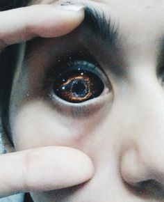 VSCO - Galaxy Portrait Eye | lams1995