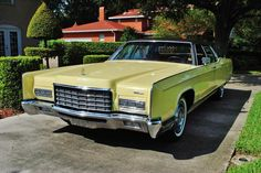 1972 Lincoln Continental like my grandfathers