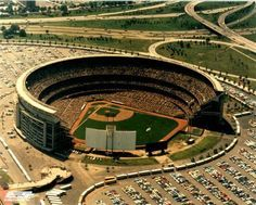 While Yankee Stadium was undergoing its makeover the team played for two years at Shea Stadium, the home of the National League's New York Mets. Mlb Mets, Mets Baseball, Baseball Park, Baseball Field, Baseball Stuff, Baseball Players, Shea Stadium, Yankee Stadium, New York Mets Stadium