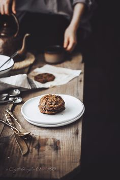 Biscuits, Dark Food Photography, Bread Cake, Home Food, Mini Desserts, Cookies, Tex Mex, Cookie Bars, Food Styling