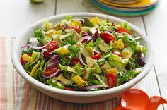 This crisp green salad features all of the ingredients of homemade guacamole in one easy recipe. Don& forget the tortilla chips - they provide the crunch in this Guacamole Salad. Kraft Foods, Kraft Recipes, Healthy Salads, Healthy Eating, Healthy Recipes, Paleo Food, Healthy Dinners, Healthy Food, Tamales