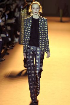 Rochas Fall 2012 Ready-to-Wear Collection Photos - Vogue