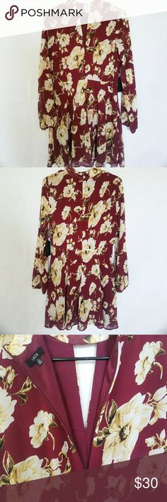 Lucca Couture floral dress Beautiful maroon colored dress for summer! Never worn, tags still attached. Size small, 100% polyester. 33 inches long. I love offers :) Lucca Couture Dresses Midi