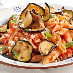 caserecci alla Norma - short pasta wtih a sauce of tomato eggplant ricotta and basil Ricotta, Italian Dishes, World Recipes, Kung Pao Chicken, Food For Thought, Potato Salad, Zucchini, Good Food, Favorite Recipes