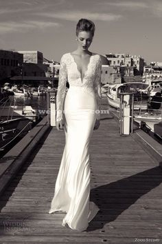 Vintage wedding dress. Long sleeve lace