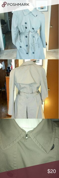 Gorgeous Gap Trench Coat, Excellent Condition Women's Small, Gorgeous Tan Trenchcoat by The Gap.  Beautiful Yellow Satin Lining and Extra Button. From a smoke and pet-free location. GAP Jackets & Coats Trench Coats