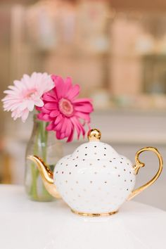 Tea Party ~ Pink and Gold Tea Pot from Best Friends for Frosting Pink Und Gold, Rose Gold, Tee Set, Girly, Tea Pot Set, Teapots And Cups, My Cup Of Tea, Chocolate Pots, Vintage Tea