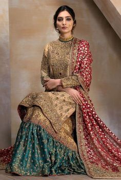 A bridal combination fit for a queen. Gold tissue shirt fully handworked front and back, paired with a zarri organza bridal dupatta with heavily handworked borders. Paired with a deep jewelled green and gold handworked gharara. Bengali Wedding, Pakistani Wedding Outfits, Pakistani Wedding Dresses, Bridal Outfits, Indian Dresses, Indian Outfits, Dress Wedding, Pakistani Gharara, Pakistani Clothing