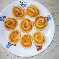 Sajtos roppanós tekercs Pancakes, Pudding, Breakfast, Desserts, Food, Morning Coffee, Tailgate Desserts, Deserts, Custard Pudding