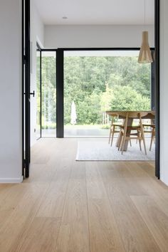 Modern Living Room Parquet - Decor is life Timber Flooring, Parquet Flooring, Light Wood Flooring, Modern Wood Floors, Laminate Flooring, Living Room Modern, Home Living Room, Residential Architecture, My Dream Home