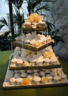 Romantic Shabby Chic Vintage Buttercream Cupcakes Square Wedding Cakes Photos & Pictures - WeddingWire.com