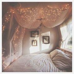 35+ Awesome Romantic Bedroom With Fairy Light Ideas – DECOREDO