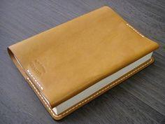 Book Cover ハンドメイド 手縫い革ブックカバー(LBR)文庫本タイプ 受注 インテリア 雑貨 Handmade ¥8500yen 〆09月16日