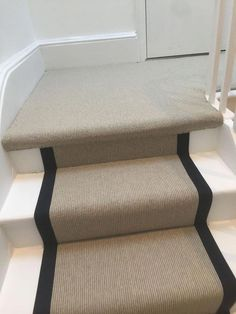 Stair runner carpet installation in Docklands – stair carpet with black binding # Treppenläufer Carpet Staircase, Staircase Runner, Hallway Carpet, Hallway Flooring, Stairs With Carpet Runner, Staircase Remodel, Staircase Makeover, Hallway Runner, Painted Staircases