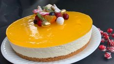 Cheesecake with gingerbread base and squash jelly – Oppskrifters Norwegian Food, Christmas Treats, Cheesecakes, Yummy Cakes, Jelly, Gingerbread, Cake Recipes, Delish, Sweet Treats