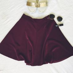 Brandy Melville Skirt Cotton polyester blend skirt. Super bouncy and versatile for all seasons. Perfect condition. One size fits all Brandy Melville Skirts Mini