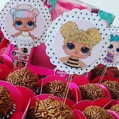 Hoje tem bolinho em casa para comemorar o 6 ano da minha princesa. O tema ?? As famosas #lolsurprise. Hoje é só parabens! Feliz dia princesa!!! . . . #DudaFaz6 #Lol #QueenBee #BonecasLol #festainfantil #festaemcasa #partykids #Inspiration #ideias #festamenina #personalizados #scrapfesta #arteemscrap #partyideias #partykids #festinha #lolpets #lolsisterlove #lolsurpriseseries2 #lolsurpriseseries1 #lolsurprisedolls