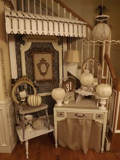 There are so many little gems in this vignette.  Great ideas for my space at PFM