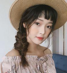 Lại thêm một mẫu lookbook được khen ngợi vì xinh như hot girl Hàn - Ảnh 1.