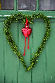 Ooo! I could do this! I have a red heart like this, and I could leave it up all winter?! Sweet!