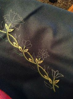 Til inspirasjon Sewing Tips, Sewing Hacks, Sewing Crafts, Folk Fashion, Portuguese, Beadwork, Scandinavian, Floral Design, Mexican