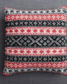 Scandinavian Cushions in Debbie Bliss Rialto DK (DB031) – Deramores