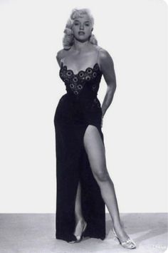 Diana Dors Black Lace and Satin Dress B/W Photograph Vintage Glamour, Glamour Hollywoodien, Vintage Beauty, Vintage Fashion, Diana Dors, Vintage Hollywood, Hollywood Glamour, Hollywood Stars, Classic Hollywood