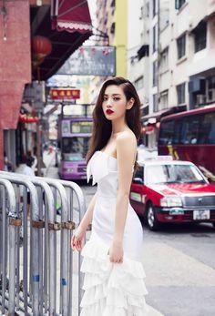 Nana 💗💗💗 at Man Mo Temple, 124 Hollywood Rd, Hong Kong Island. One Magazine shoot, 2015 😄 Asian Woman, Asian Girl, Nana Afterschool, Im Jin Ah Nana, Hongkong, Orange Caramel, Pose, Girl Day, Kpop Outfits